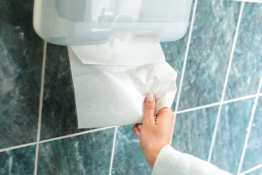 The-hand-Paper-towel-mystery-in-drying-hands
